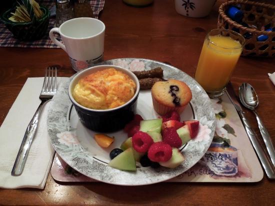 The Candlewyck House : Candlewyck House B&B Breakfast