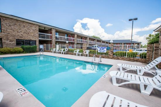 Rodeway Inn Expo Center: Pool