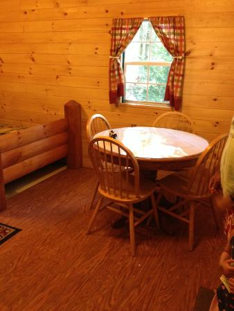 Timberland Campground : table