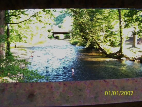 Oconaluftee Islands Park: Oconaluftee river lookingsouth towards town