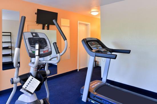 Americas Best Value Inn- Wilmington: Fitness Center