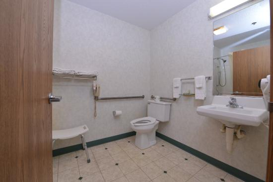 Wenona, IL: Accessible Guest Bathroom