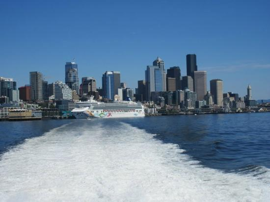 how to get to victoria island from seattle