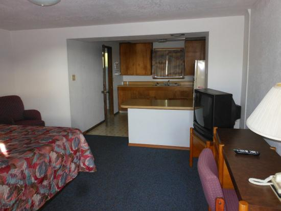 Grandview, WA: DIning and Bedroom