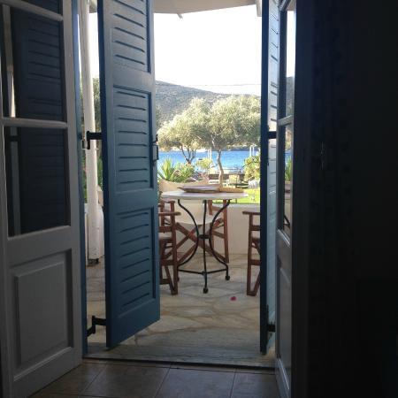 Agrilia - Apartments & Studios: vue de la chambre