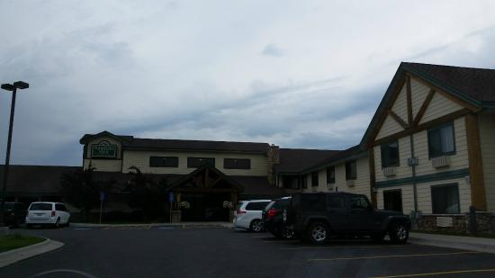 MountainView Lodge & Suites: front of building