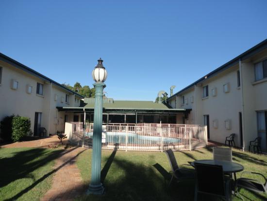Emerald Meteor Motel: Pool