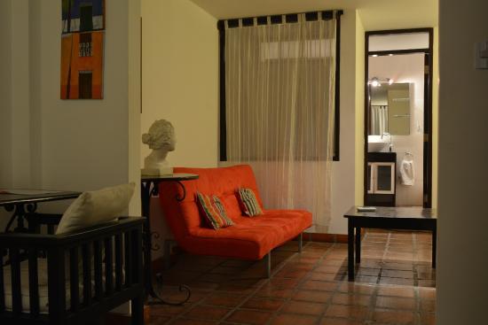 Club Colonial : suite segundo nivel con vista al mar y balcón privado