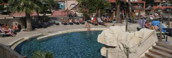 Camping la Sardane : la piscine