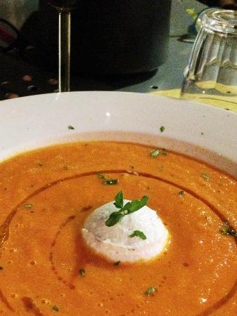 Osteria Il Gufo: Crema di carote e pomodori fredda