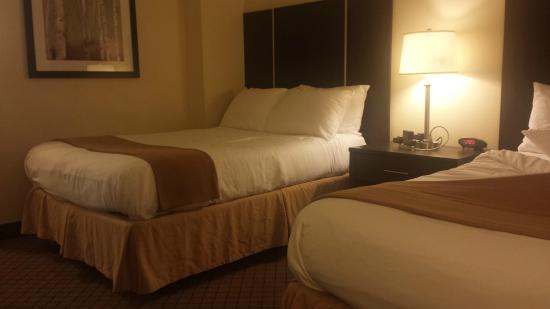Quality Hotel: In room, two beds