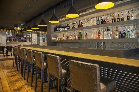 9HOTEL MERCY: Mercy Bar
