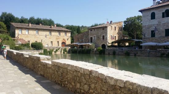 Le terme libere - Picture of Terme Bagno Vignoni, San Quirico d'Orcia - TripAdvisor