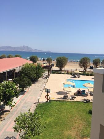 Yota Beach Hotel : photo0.jpg