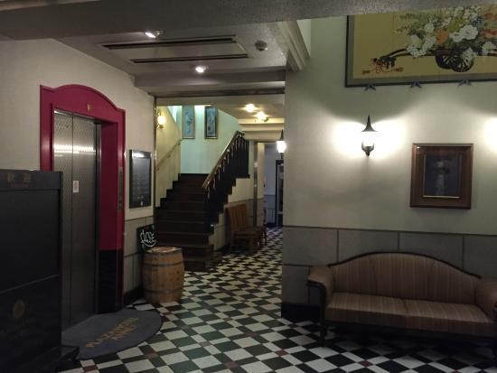 Plaza Hotel Annex: 1階に朝食レストランがあります。