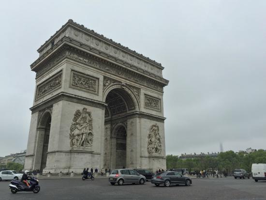 Paris - Arc de Triomphe - Champs Elysées