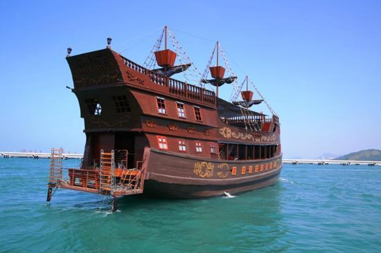 Real pirate ship Admirallica - Picture of Admirallica ...