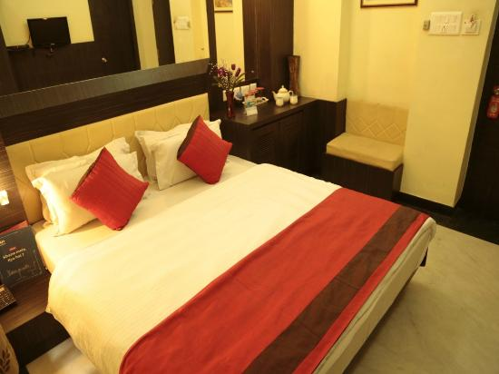 OYO Rooms Ballygunge Maddox Square