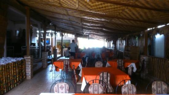 """Bertoua, Kamerun: la salle du """"soleil d'épices"""""""