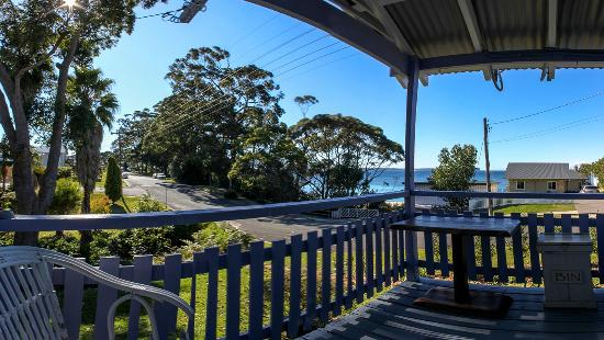 Hyams Beach Seaside Cottages: View from the balcony
