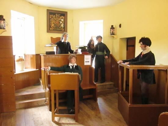 Tarbert, Irland: Gerichtsverhandlung