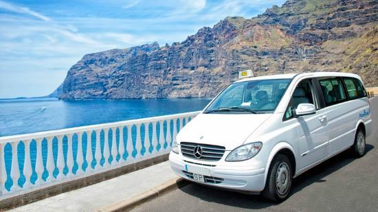 Book Taxi Tenerife: 6 - 8 pax minivan