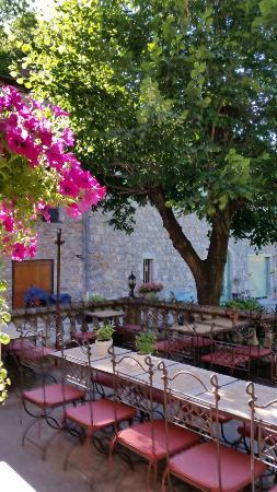 Auberge La Castagno : La terrasse est très belle