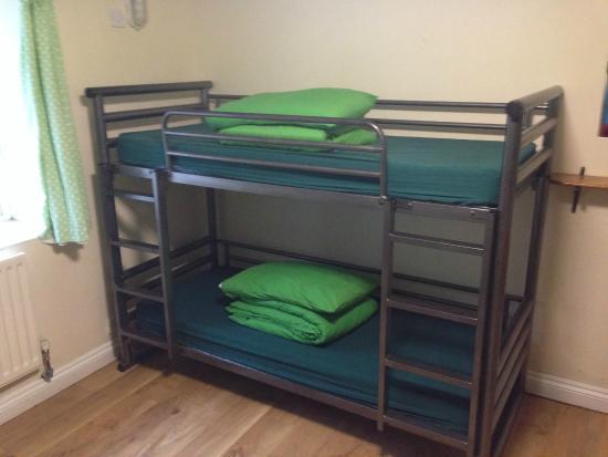 YHA Okehampton: Bedroom with bunks