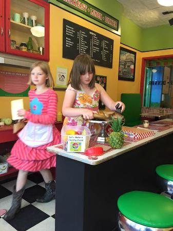 The Children's Museum at Saratoga : Playing Restaurant