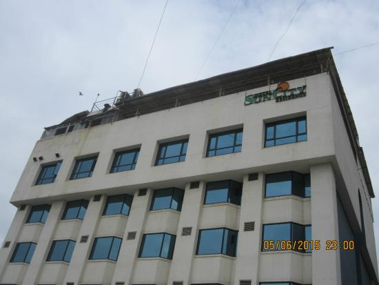 Hotel Suncity Residency: Hotel