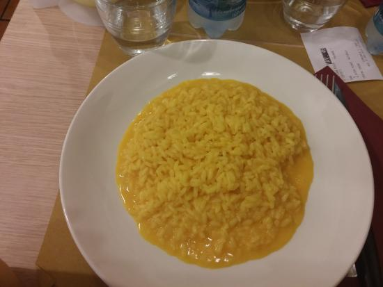 Risotto milanese picture of luna rossa milan tripadvisor for Best risotto in milan