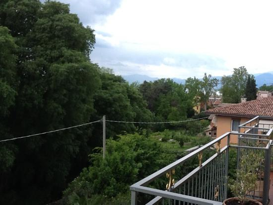 Hotel San Pietro: View from 3rd floor room
