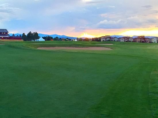 Highland Meadows Golf Course: #9 approach shot