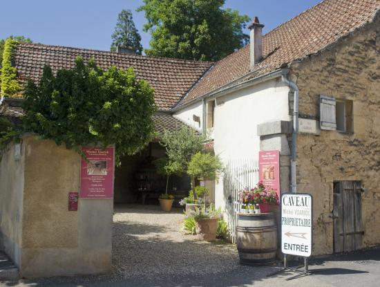 Aloxe-Corton, Francia: Entrance to the Domaine