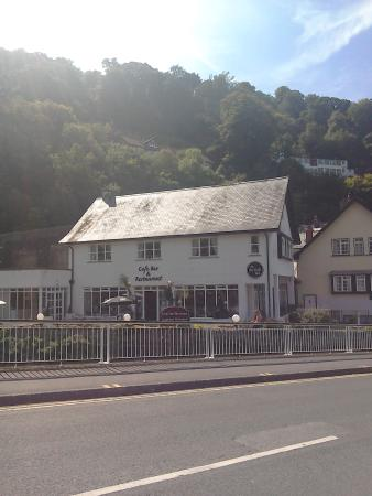 The Lyn Valley Restaurant: Outside