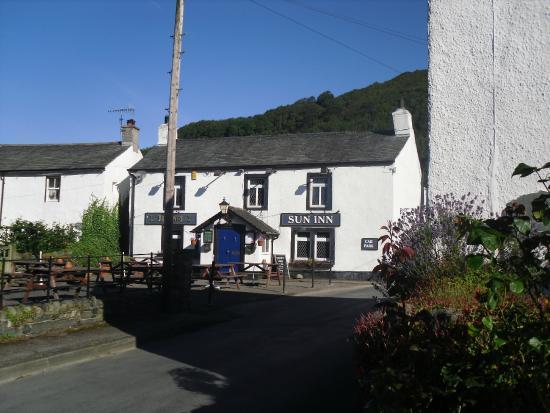 The Sun Inn: Traditional Country Pub
