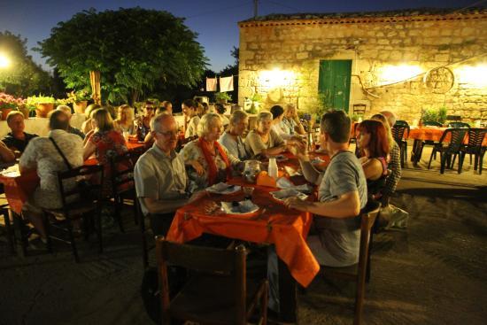 Dining Under The Stars Picture Of Sgarlata Masseria Ragusa TripAdvisor