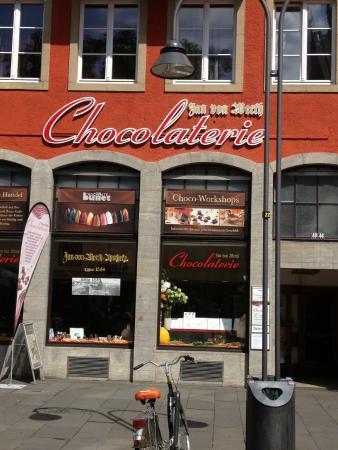 Cafe & Chocolaterie 20o