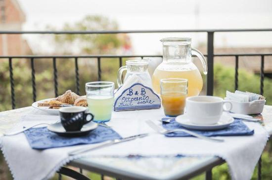 B&B Ottocento sul Mare : dettaglio colazione