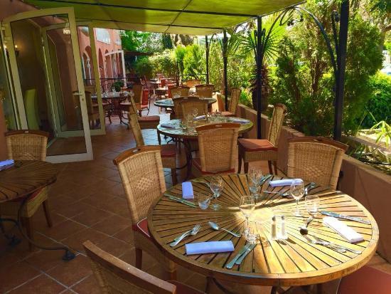 Terrasse picture of la table du port carqueiranne tripadvisor - Restaurant carqueiranne port ...