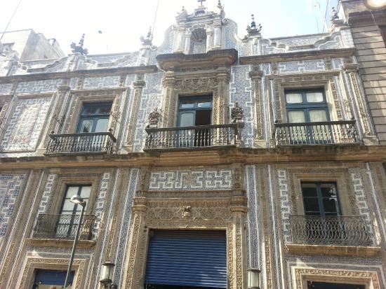 Frente detalle picture of sanborns de los azulejos for Edificio de los azulejos