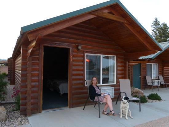 Bryce Canyon Inn: Visite Du0027un Débonaire Autochtone Poilu!