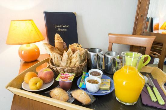 Plateau petit d jeuner picture of hotel central - Plateau petit dejeuner ikea ...