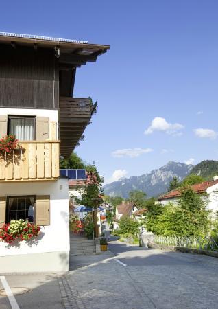 Hotel Fruhlingsgarten: Blick zum Tegelberg