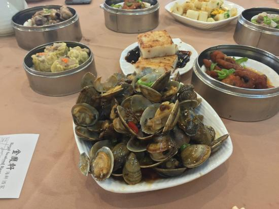 Royal Seafood Restaurant: Clams