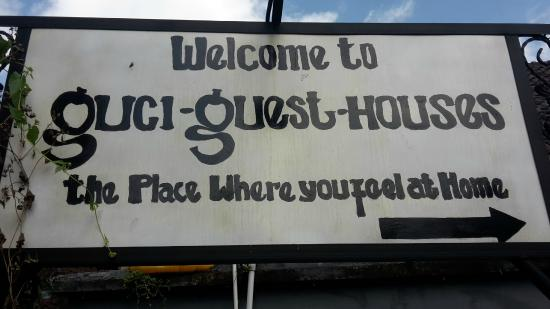 Guci Guesthouses: L'insegna della guci Guest House