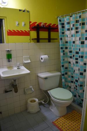 Hotel Pueblito Playa: Bathroom inside the room
