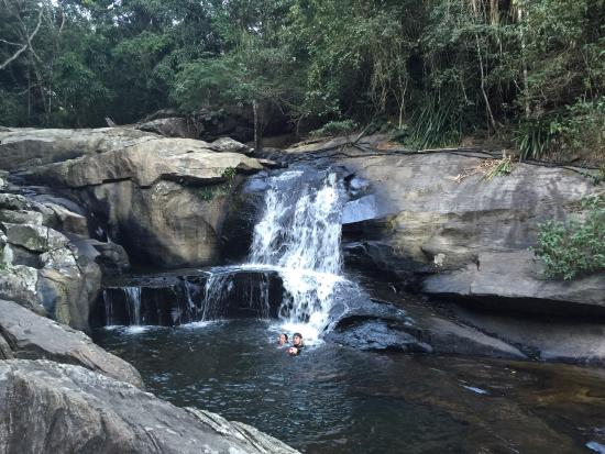 Baturite, CE: Muito legal tomar banho de cachoeira na serra de baturité.