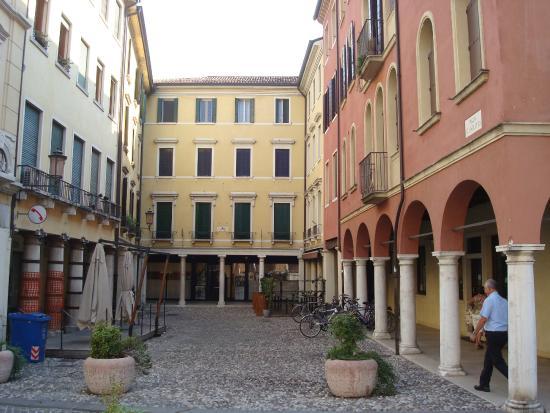 Albergo Il Focolare: Back left hand corner!