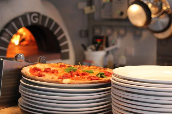 Nenno Pizza Restaurant